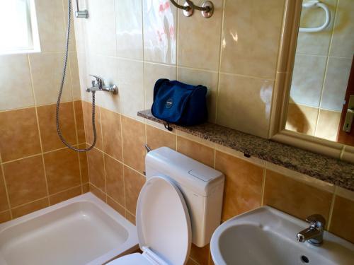 kuparic-kupatilo-dole-2